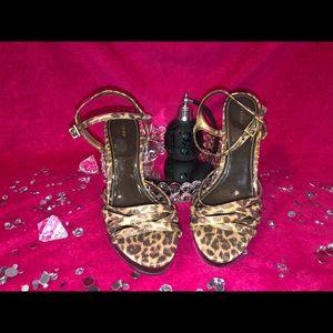 Fioni Leopard Print Heel Size 7.5